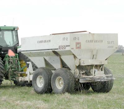 fertilizer cart & tractor