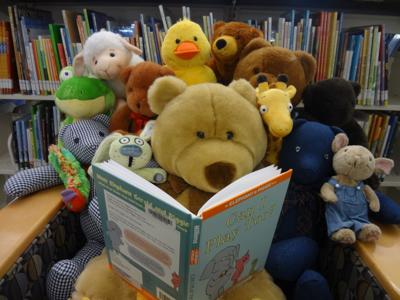 BOB LUTTS FULSHEAR/SIMONTON BRANCH LIBRARY WELCOMES FALL WITH TEDDY-BEAR PICNIC