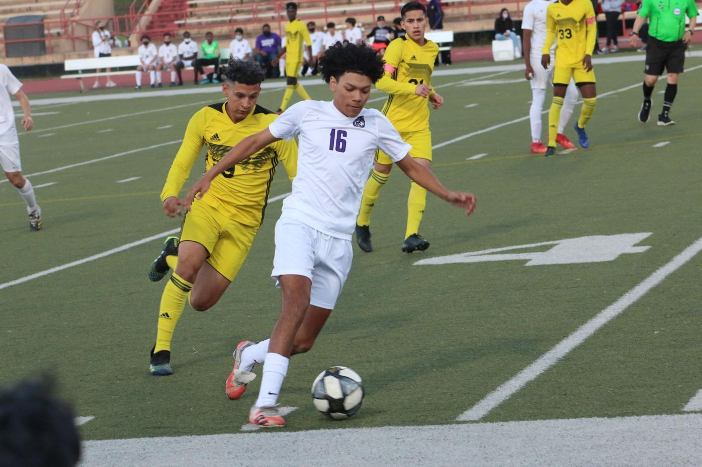 Fulshear soccer gets playoff win