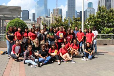 Terry publications students visit UH
