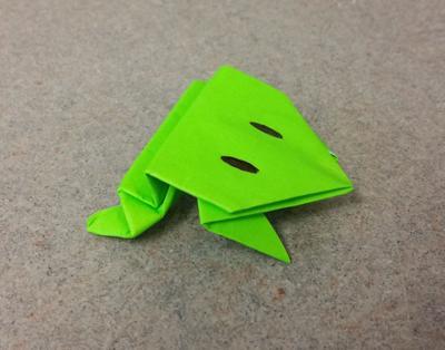 折り紙・ぴよんかえる/Pyon Kaeru/Jumping frog | かえる 折り紙 ... | 314x400