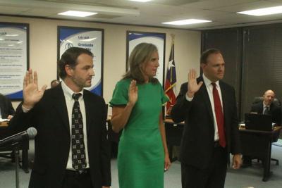 New LCISD board members sworn in