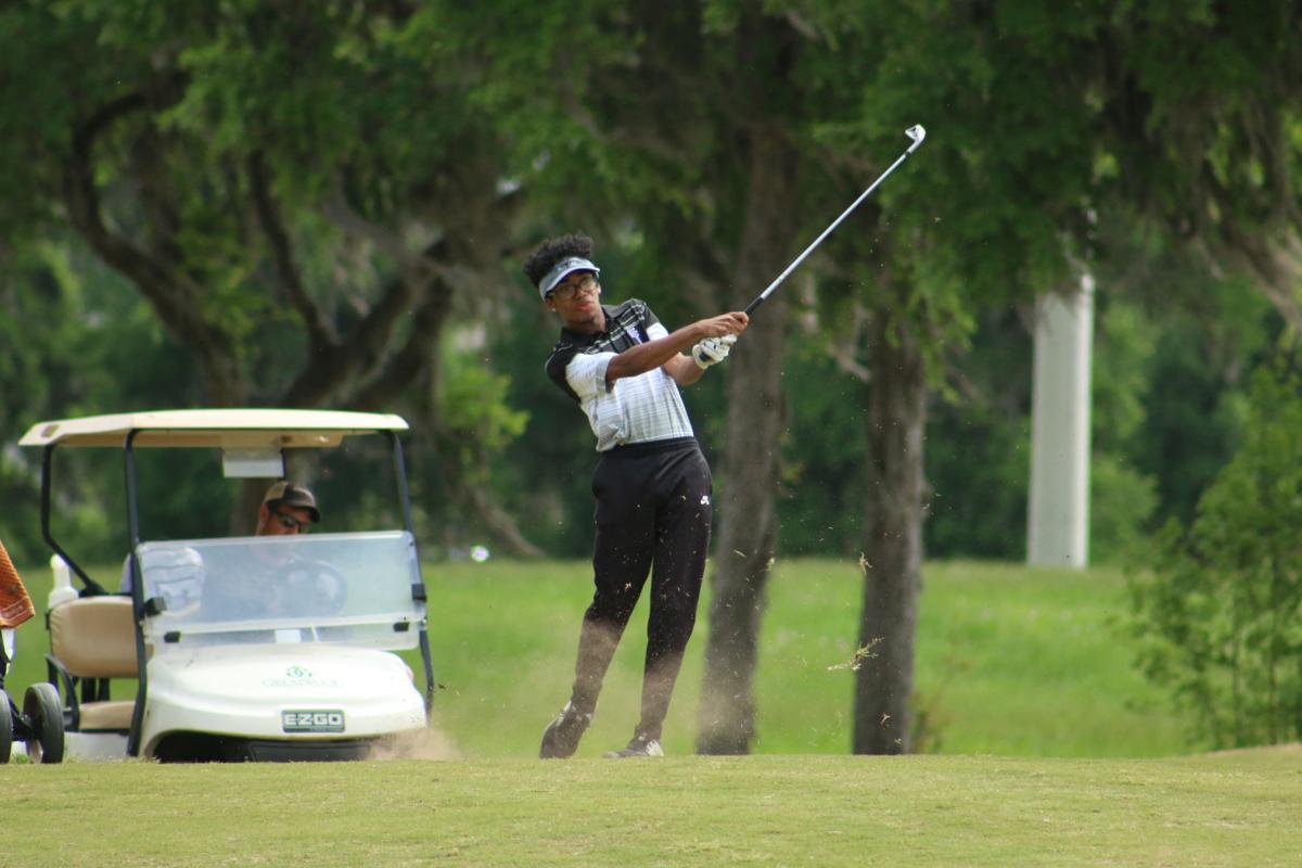 Chargers win boy's golf title