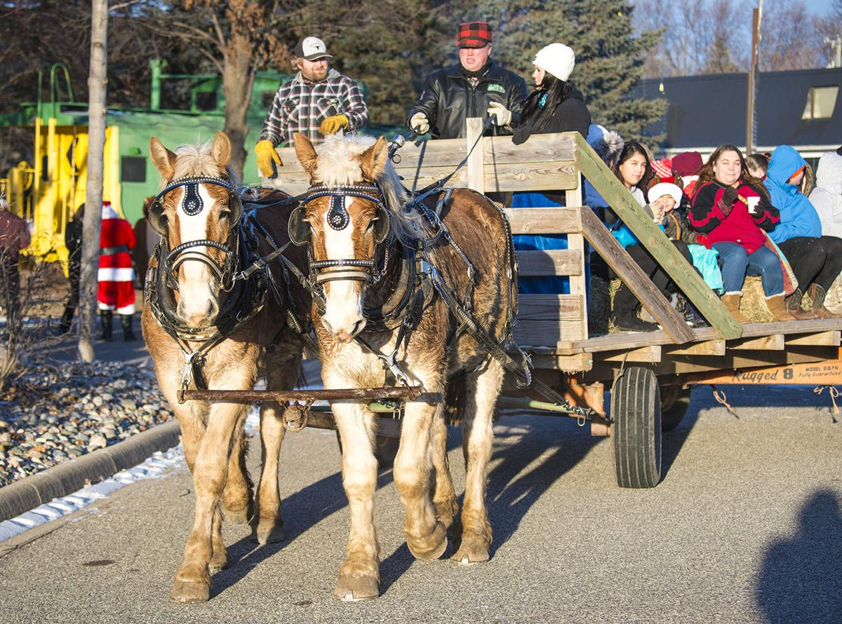 Guests at the Underwood event are treated to a carriage ride through town.