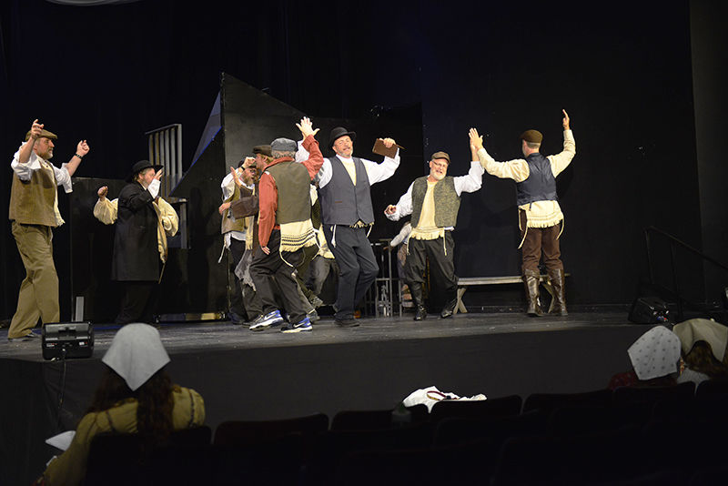 Fiddler On The Roof Premiers Tuesday At A Center For The