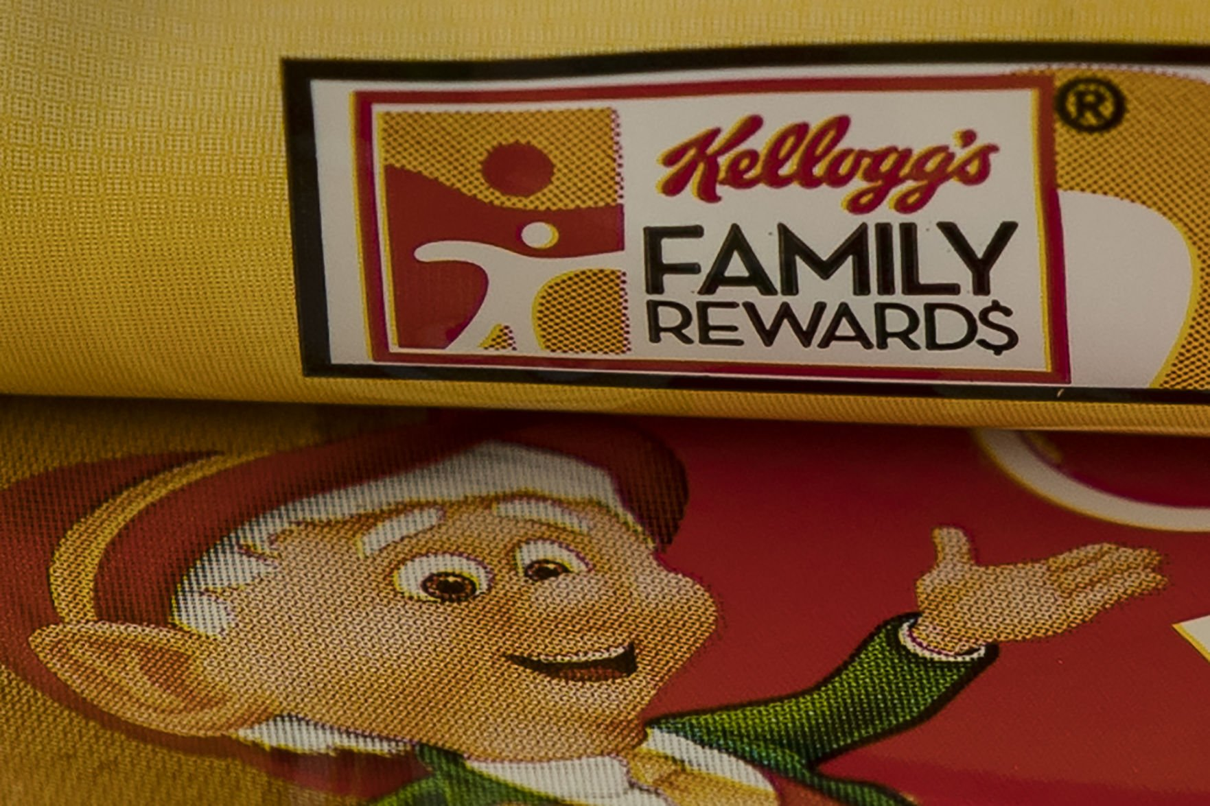 Nutella owner picks up Keebler, Famous Amos cookies and 2 Chicago plants for $1.3 billion
