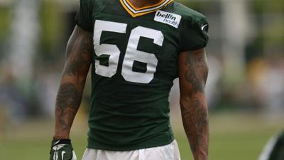 Julius Peppers' addition boosts defense in many ways