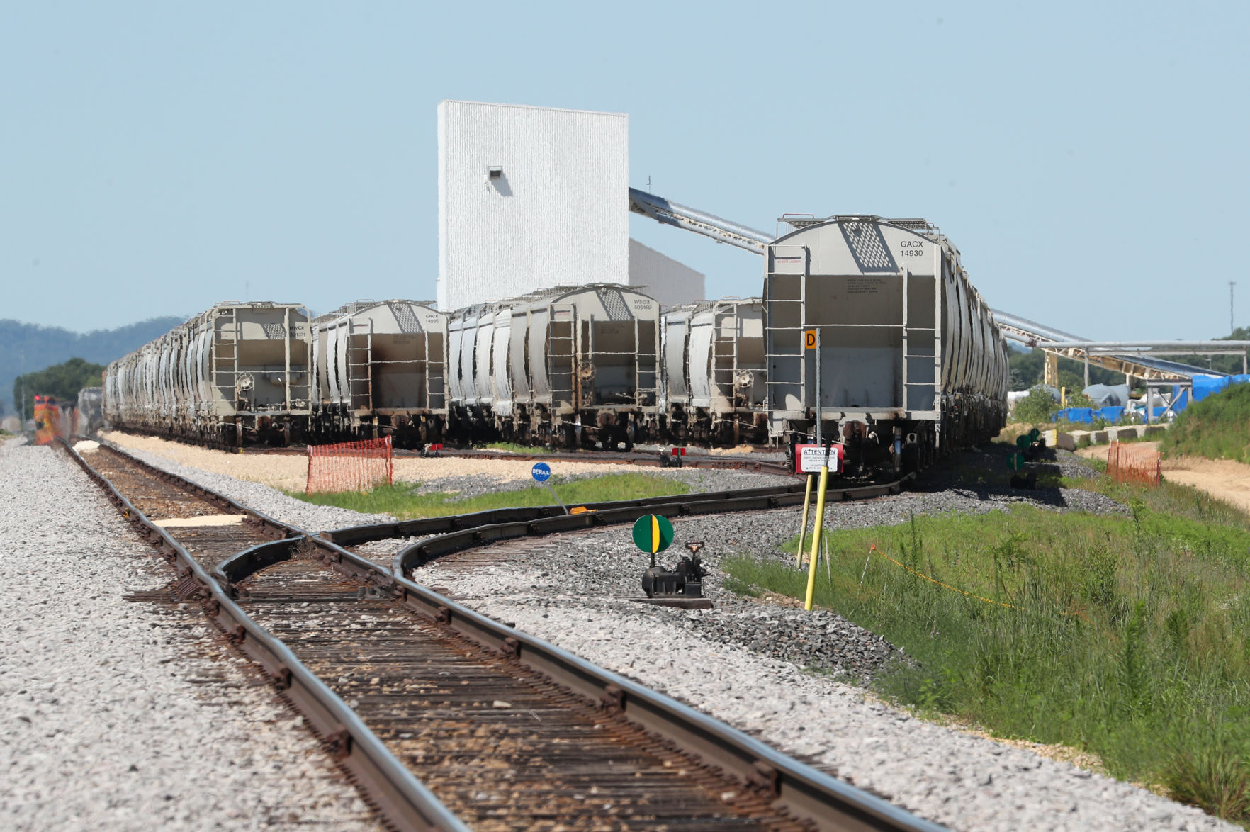 Wisconsin frac sand producers seek relief from rail costs, service issues