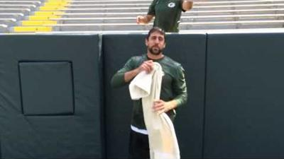 Aaron Rodgers - Ice Bucket Challenge