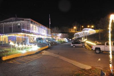 Archer Park light display opens on Thanksgiving