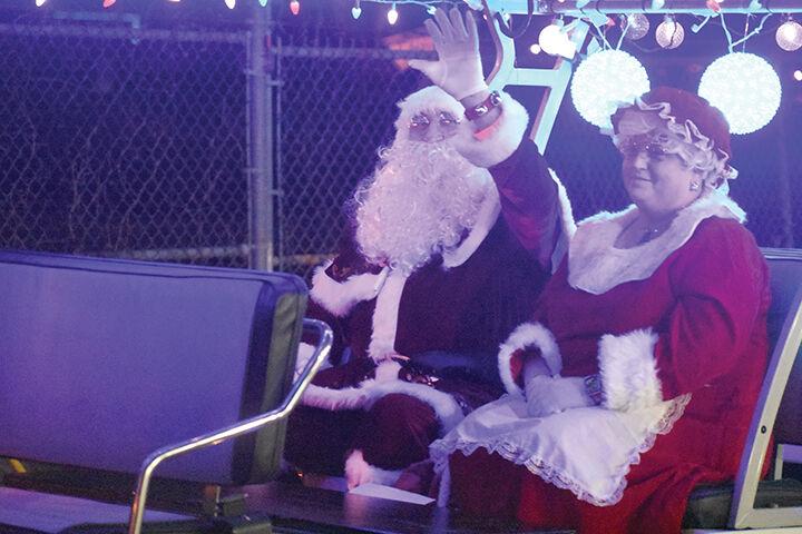 12-30 Santa Run 2.jpg