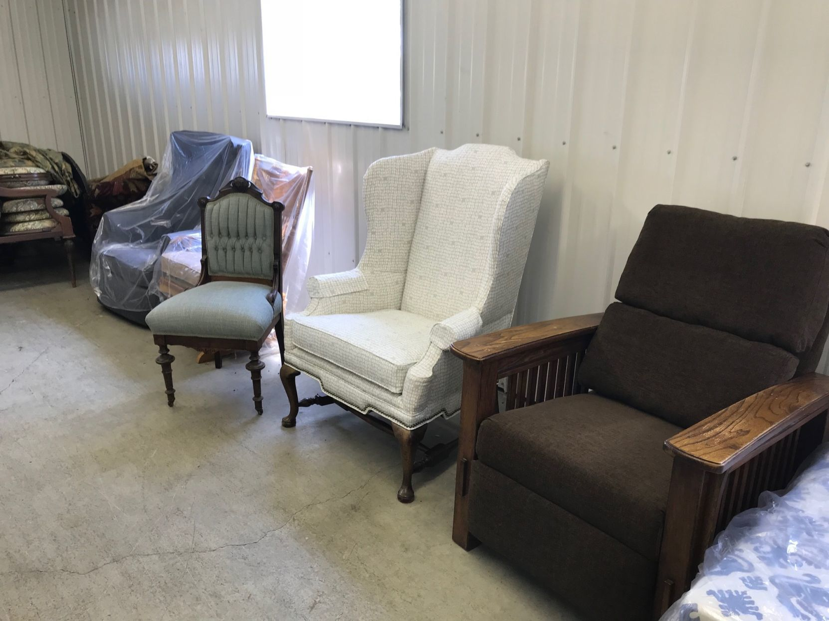 Attirant David Hoover Said Most Of The Work Done At His Shop Is Furniture, Including  Recliners, Chairs And Sofas.