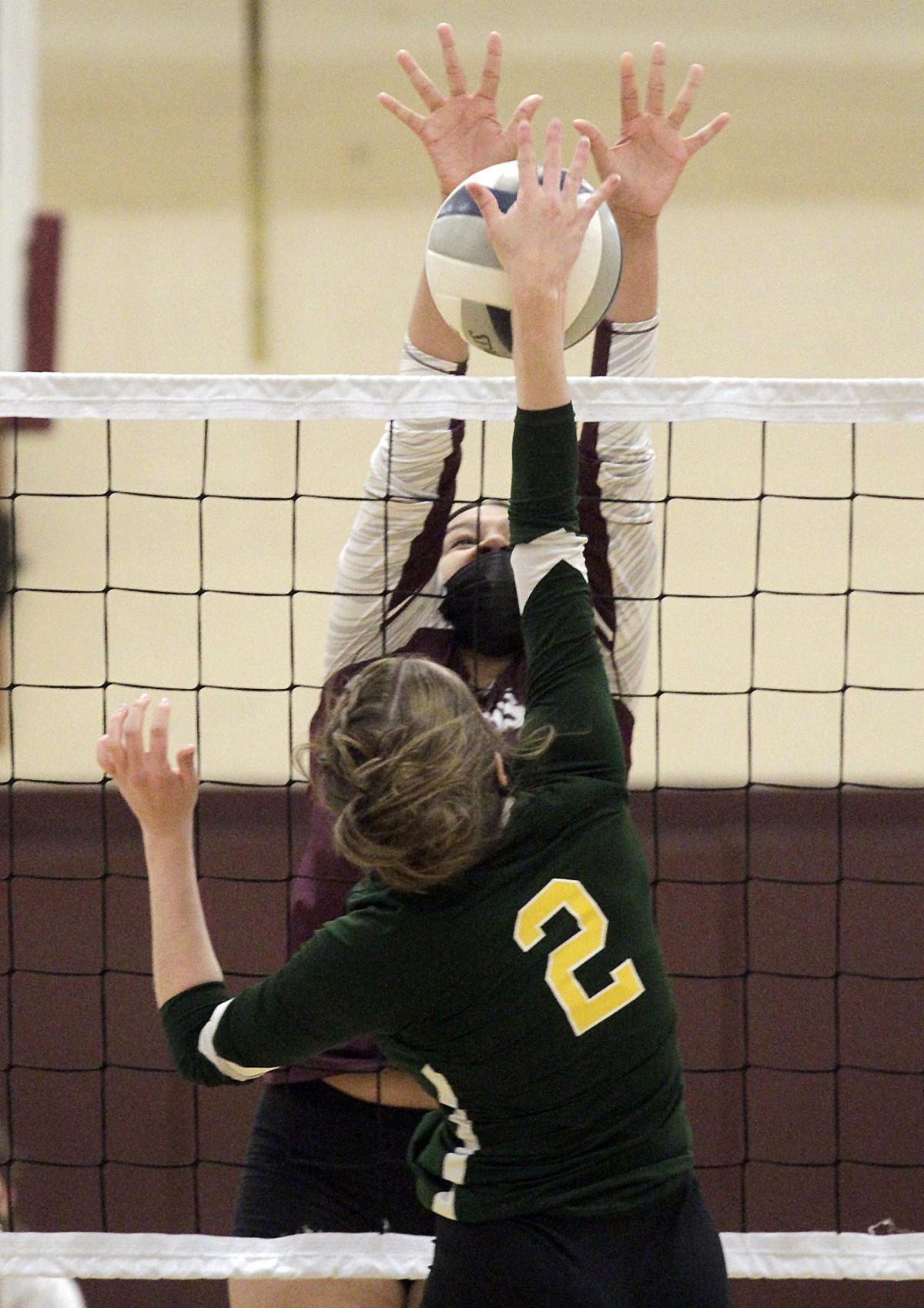 Lyons-Alexander volleyball