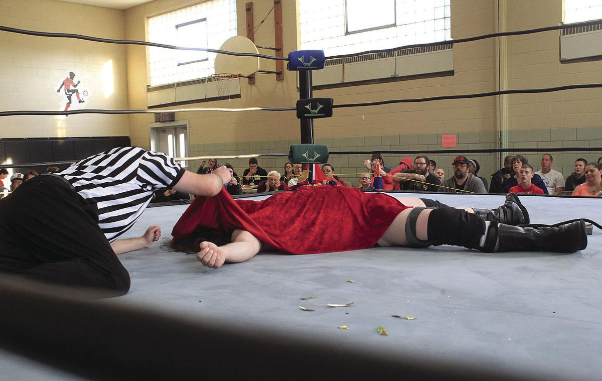 life by the lakes pro wrestling provides the ultimate ref job