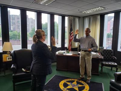 Ryndock sworn in