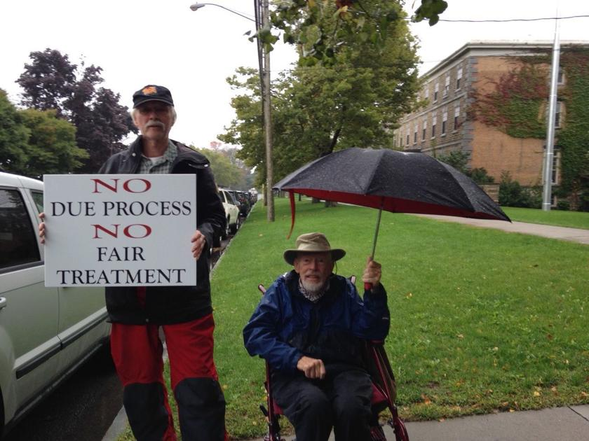Retired HWS professor ends weekly protests