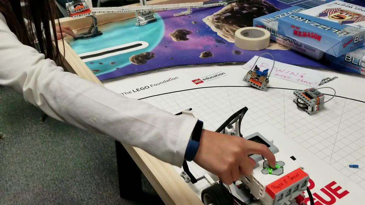 New Geneva robotics program fosters competition
