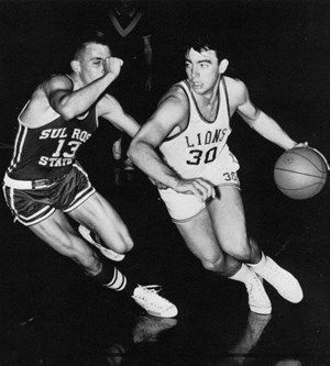 Phil Andrews playing for East Texas State basketball