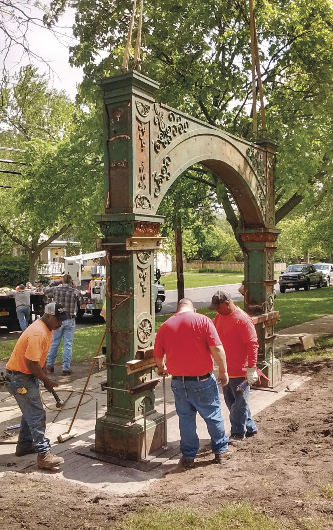 Washington St. Cemetery arch
