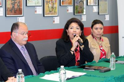 Mexican consul gives information on immigration