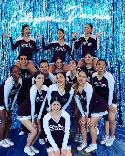 Fohi cheerleaders