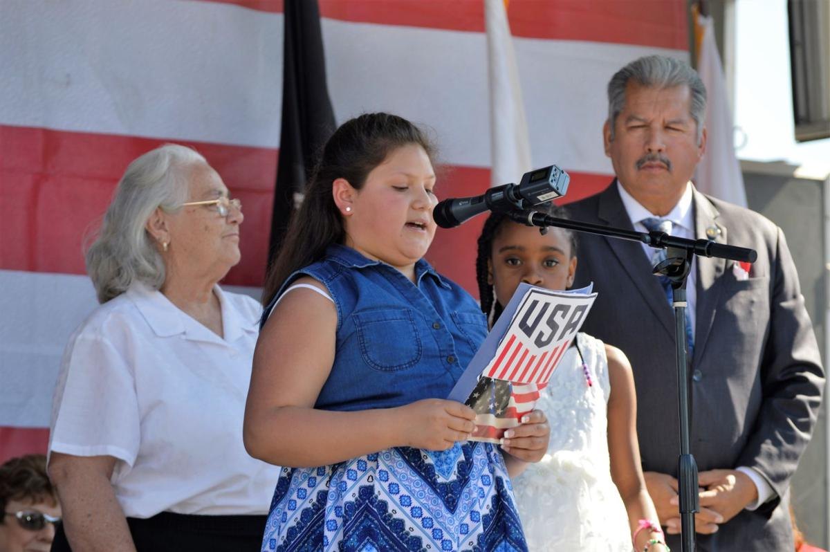 fontana s essay contest winners give their reasons why veterans  yanelly orozco reads her winning essay in the veterans day contest in fontana herald news photo by alejandro cano