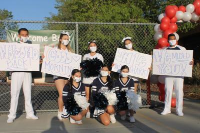 Summit cheerleaders