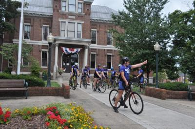 Cyclists visit Franklin on ride for Alzheimer's awareness