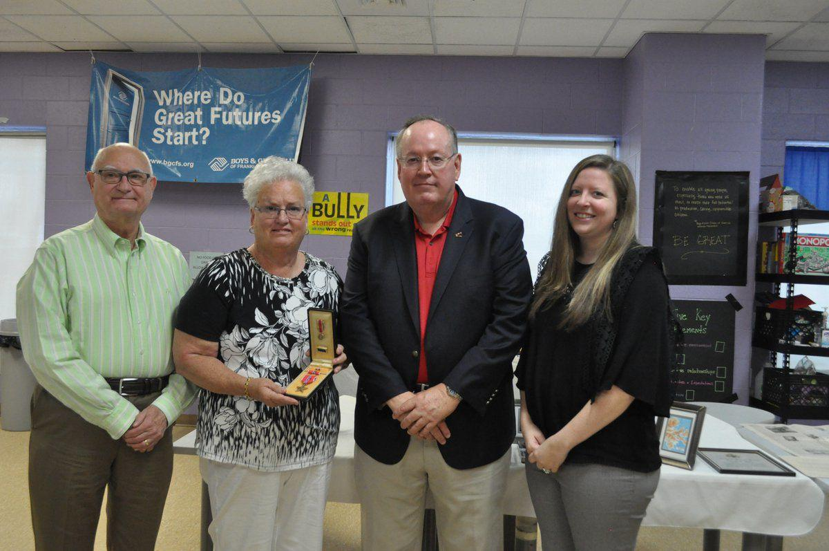 Local WWII veteran receives Bronze Star