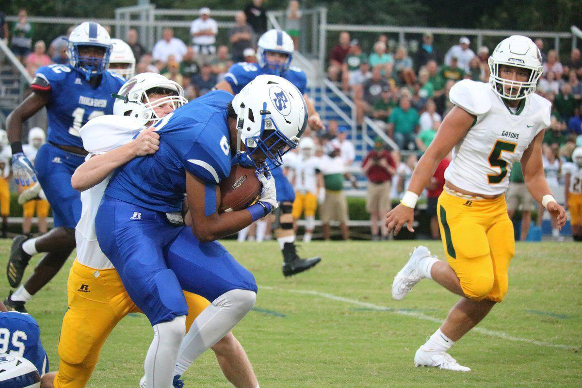 Wildcats fall to Greenwood, 28-14