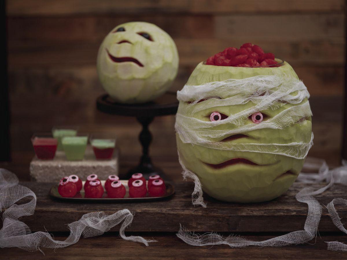 A creative twist on Halloween carvings