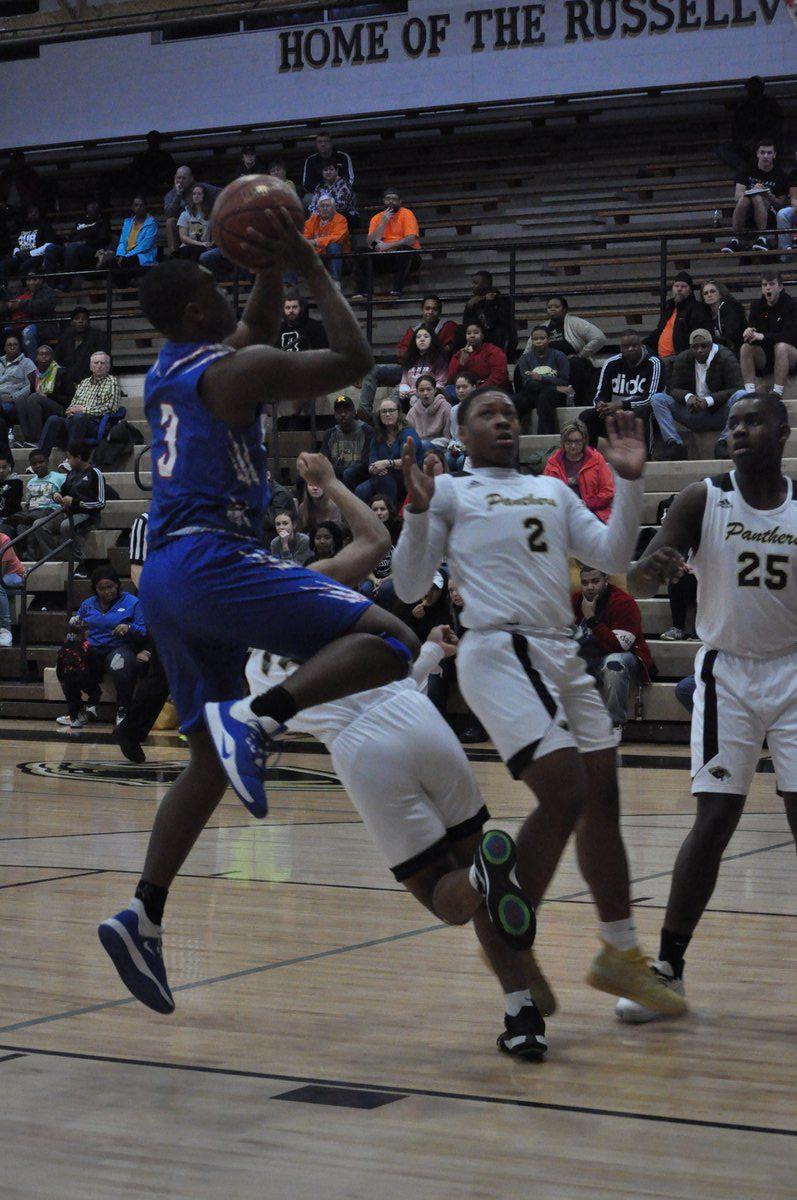 Wildcats defeat Russellville, 75-44