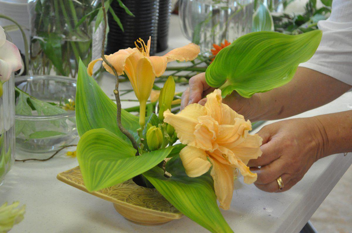 Garden Club receives lessons on Japanese flower arranging