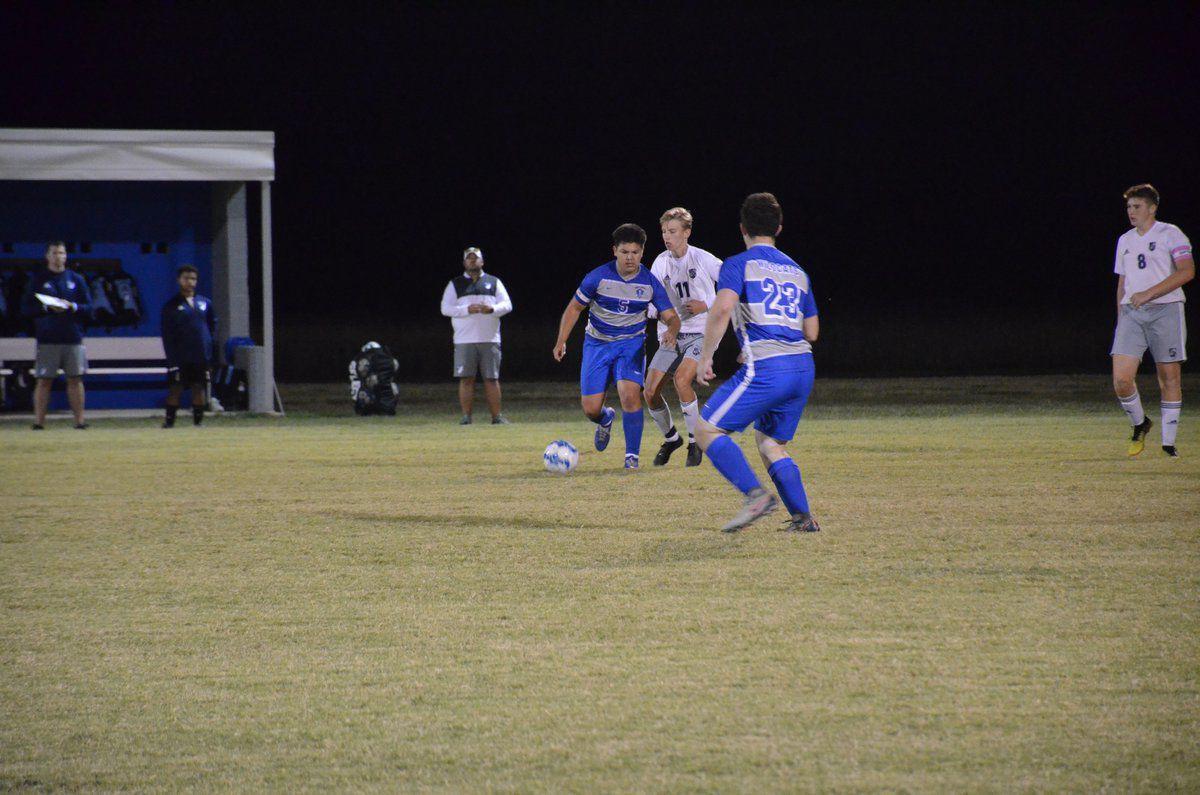 Wildcats split district matches to close the regular season