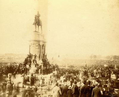 Lee monument in Richmond