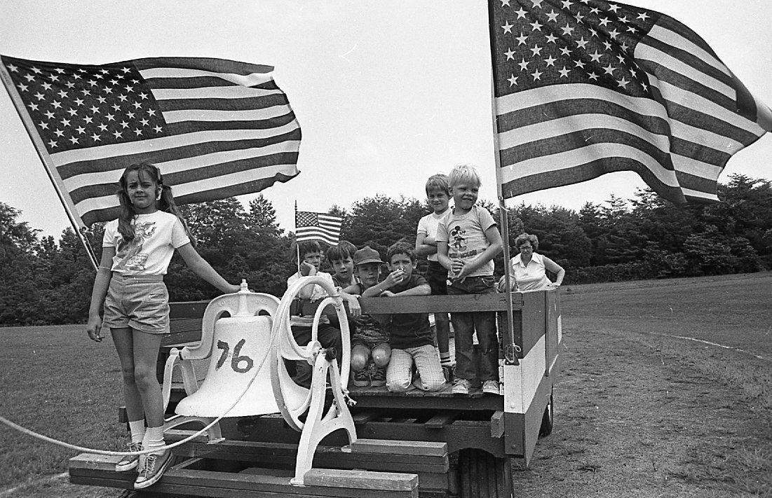 Retro Reads: Bicentennial Fourth of July buoyed the nations ...
