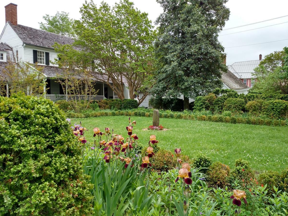 Mary Washington House garden