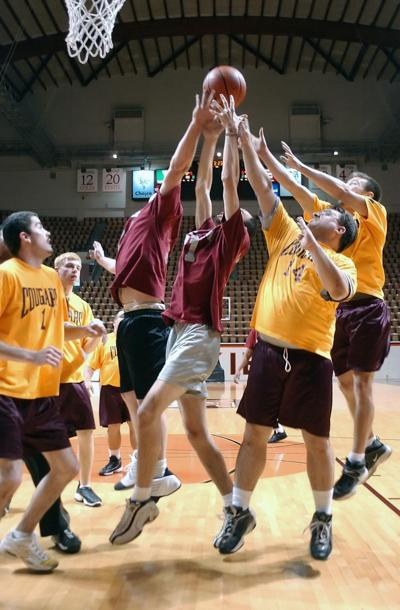 Volunteer to cheer at Special Olympics basketball championships