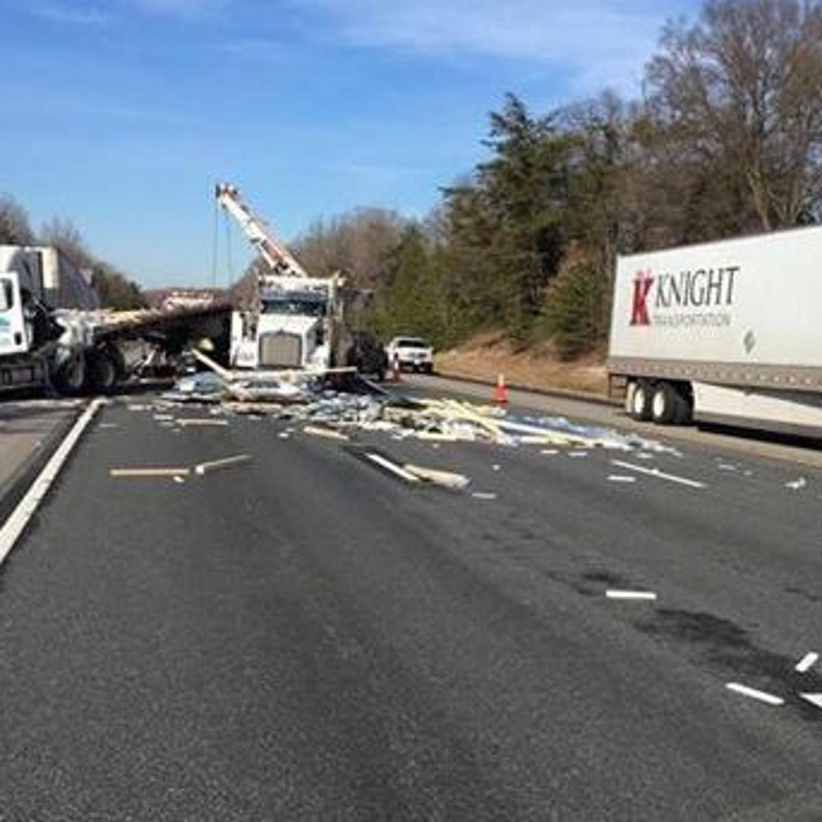 Tractor-trailer crash closes southbound Interstate 95 in