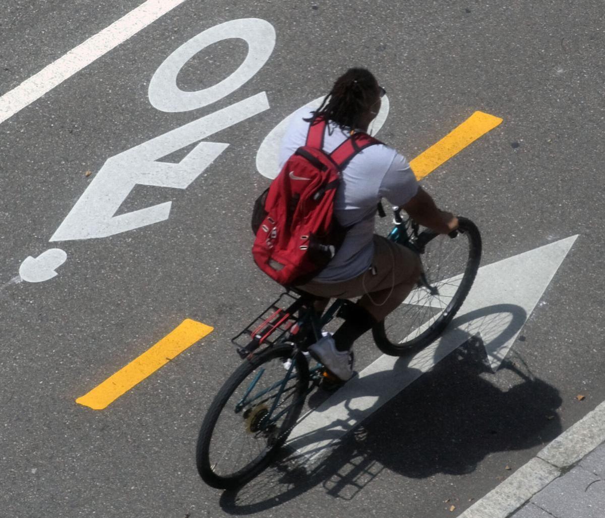 PHOTO: Cyclist