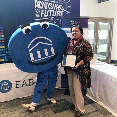Dr. Kendra Wood Recognized for Excellence in College Advising