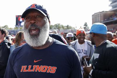 The University of Illinois announced Sunday that it has cut ties with Lovie Smith.