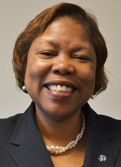 LaBravia Jenkins receives Ethics in Business Award from Rappahannock Rotary Club
