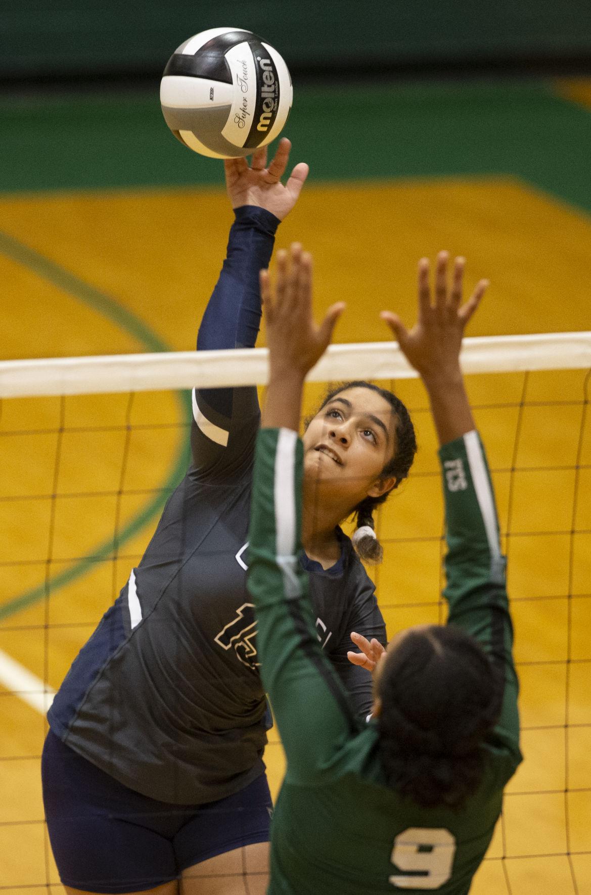 FCS vs Carmel girls volleyball
