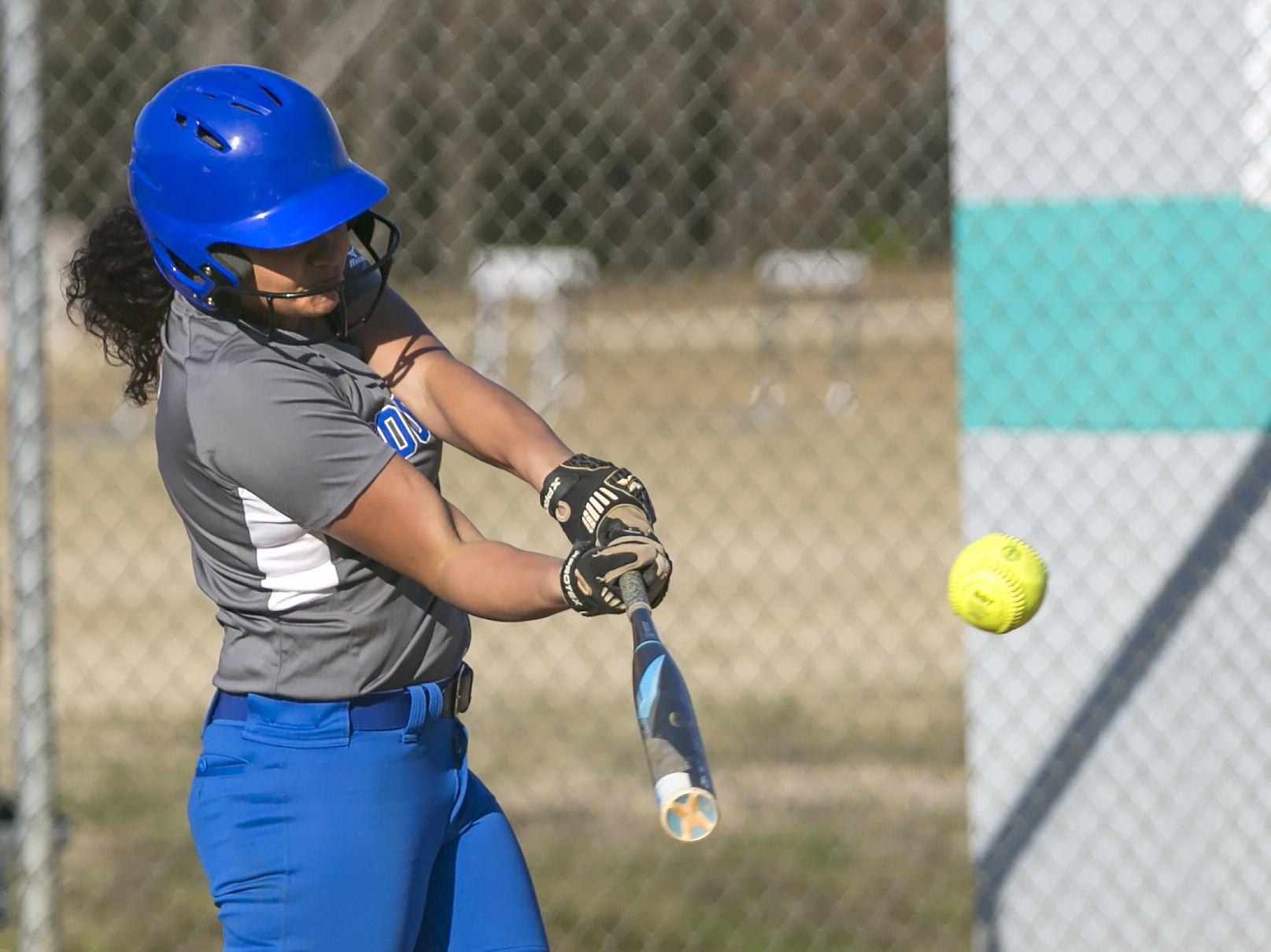 Softball Standout Buzzell Sees Her Days On The Diamond End Due To Rare Condition Sports News Fredericksburg Com