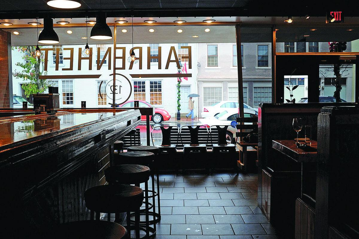 Restaurant Review Fahrenheit 132 A Stylish New Entry In Downtown S Dining Scene