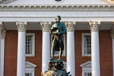 PHOTO: UVA Thomas Jefferson statue