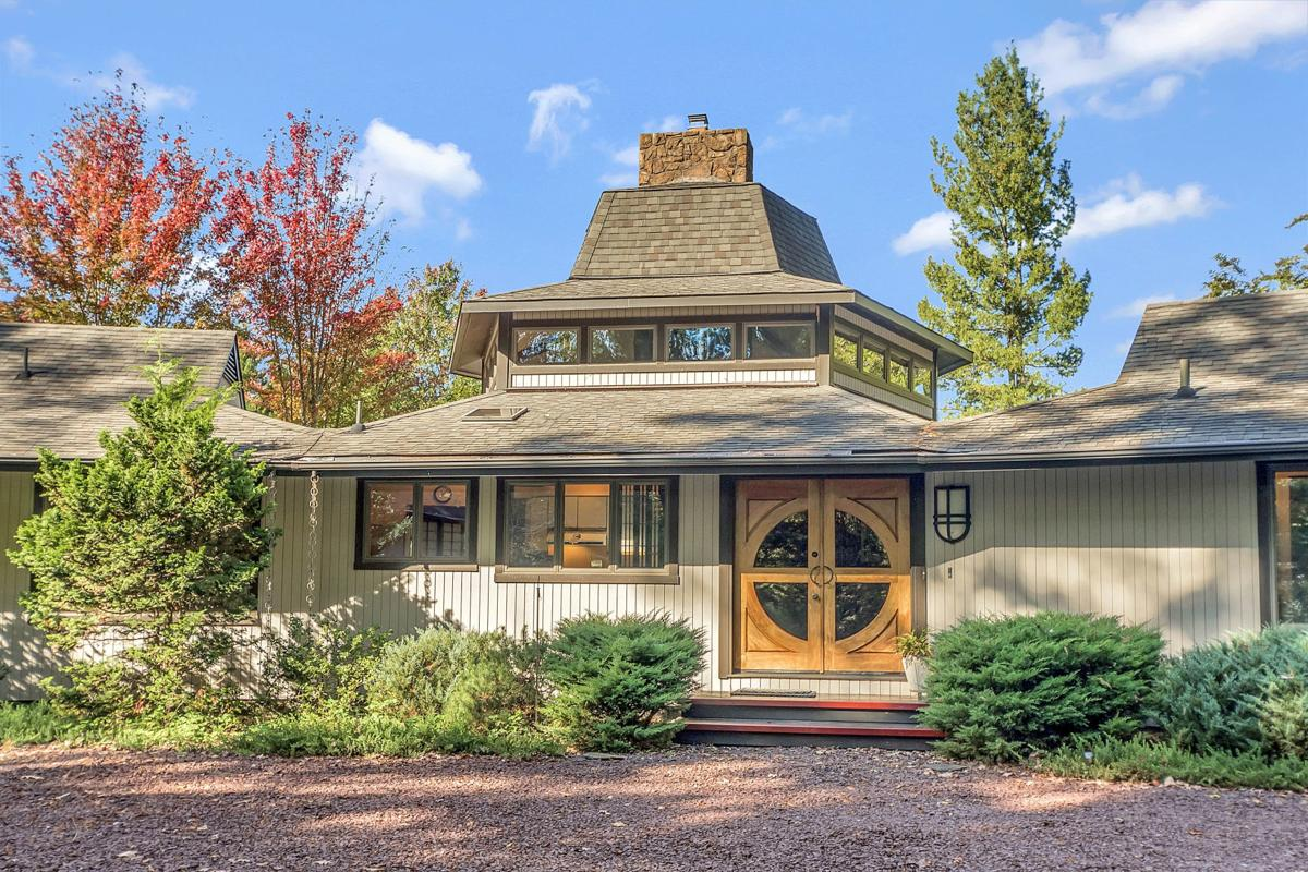 Lakefront Lake Of The Woods Home Has Asian Flavor Throughout