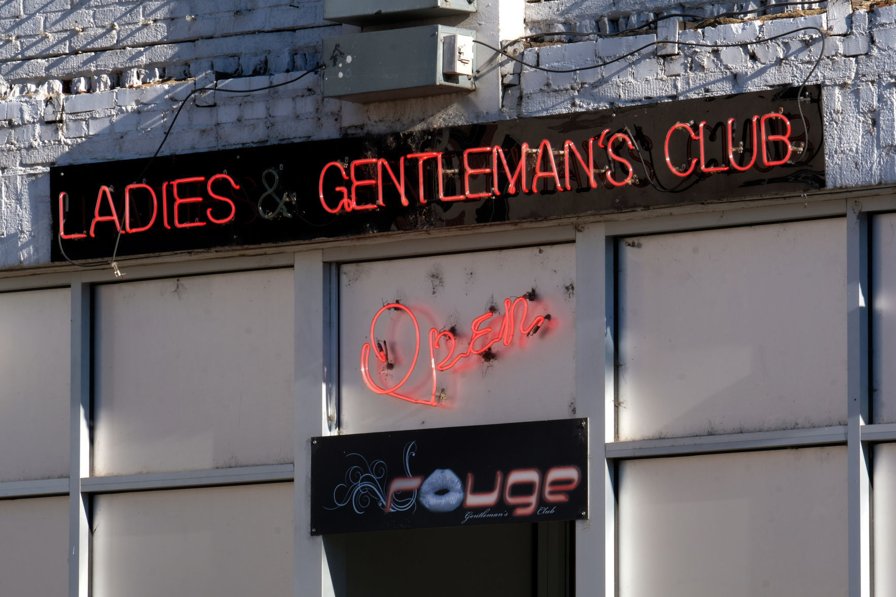 Club Rouge Richmond strippers pursue class action