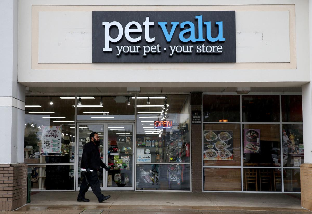 Fredericksburg area gets two new pet food stores local business pet valu solutioingenieria Choice Image